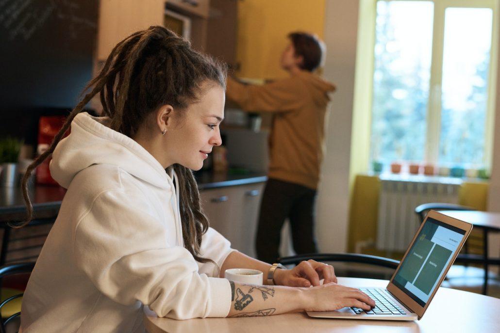 como fazer gestao trabalho remoto vantagens e desvantagens