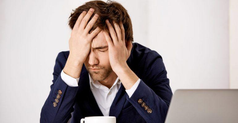 5 sinais de que você odeia seu emprego, mesmo amando o seu trabalho